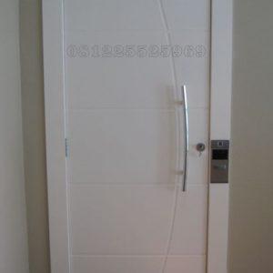 Kusen Pintu Kamar Tidur